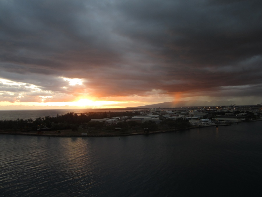Photo: Sunset over Honolulu